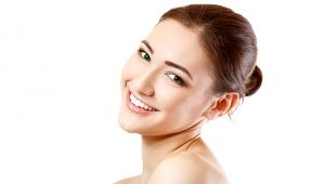 ESSENTIAL HOLIDAY BEAUTY TIPS FOR GLOWING SKIN